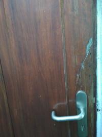 Presupuesto presupuesto sustitución puerta madera
